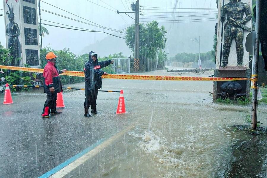 雨彈狂炸南台灣 紛傳淹水災情
