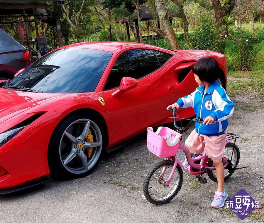 後山小調~小孫女騎鐵馬與法拉利相遇